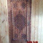 antik ahşap kapı